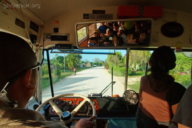 Belice, Bus to Cayo